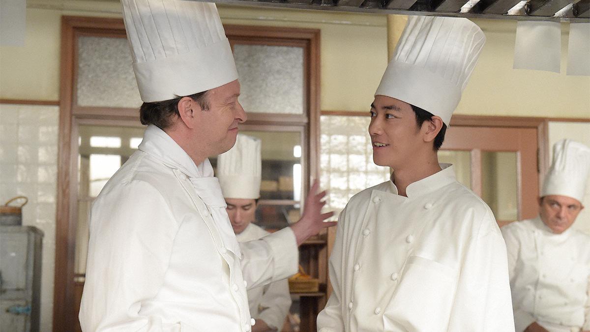 天皇の料理番 外国人シェフのもとで料理を学ぶ篤蔵