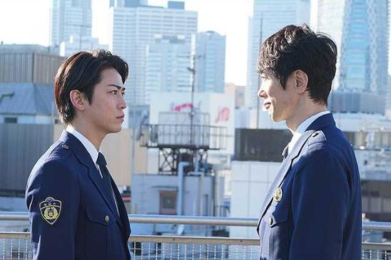 FINAL CUTの向かい合う慶介と清一郎