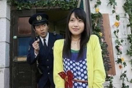 交番の警官とナオ