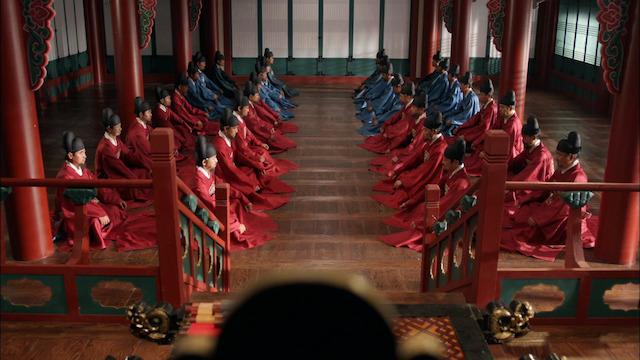 華政 国王の前で並んでいる重臣たち